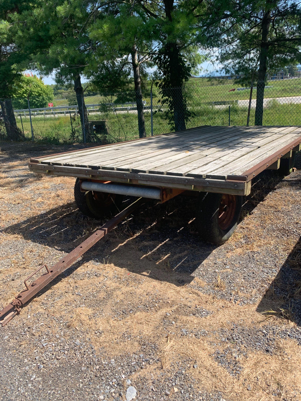 John Deere Hay Wagon Image