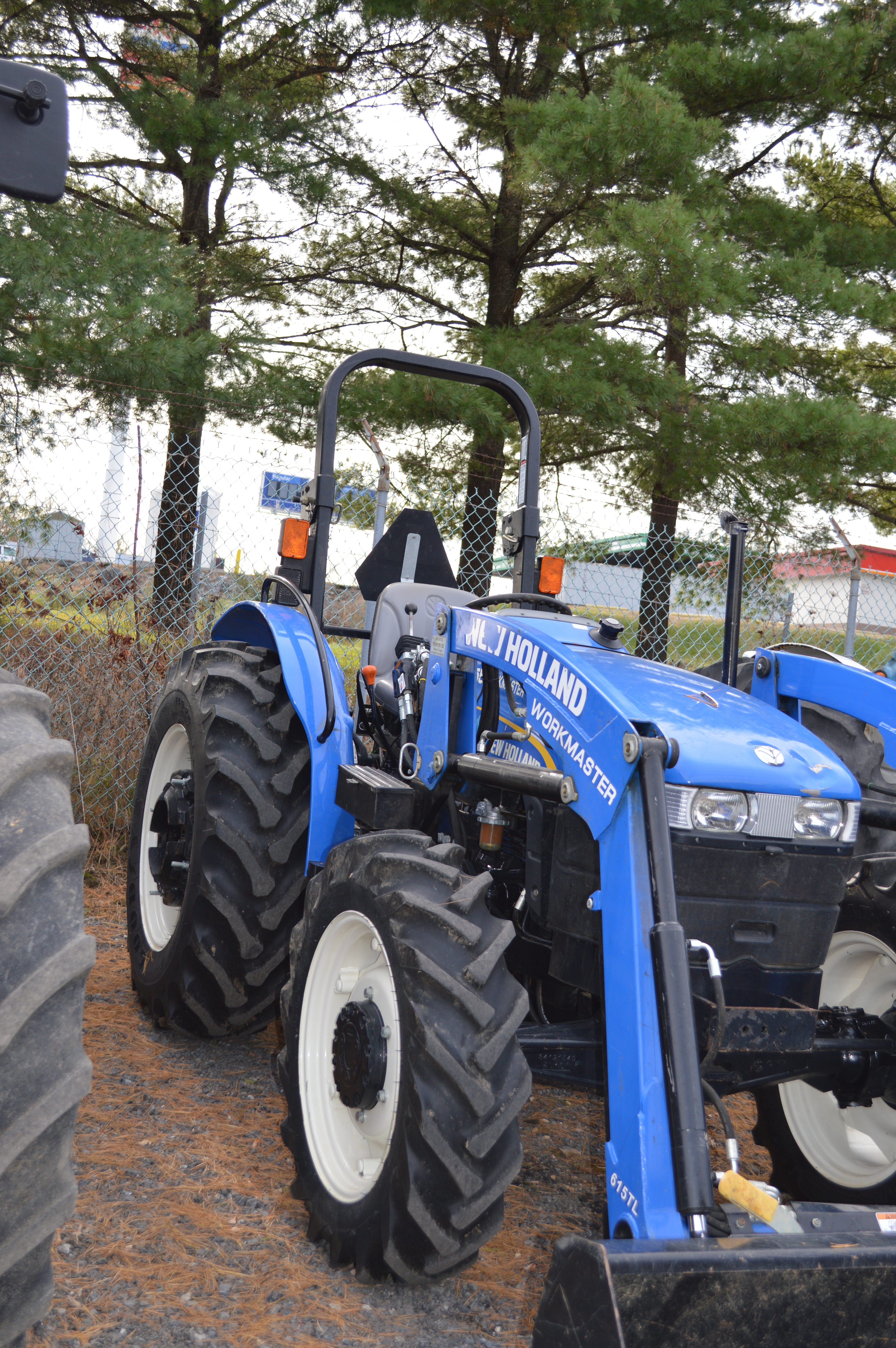 New Holland Workmaster 55 w/ loader Image