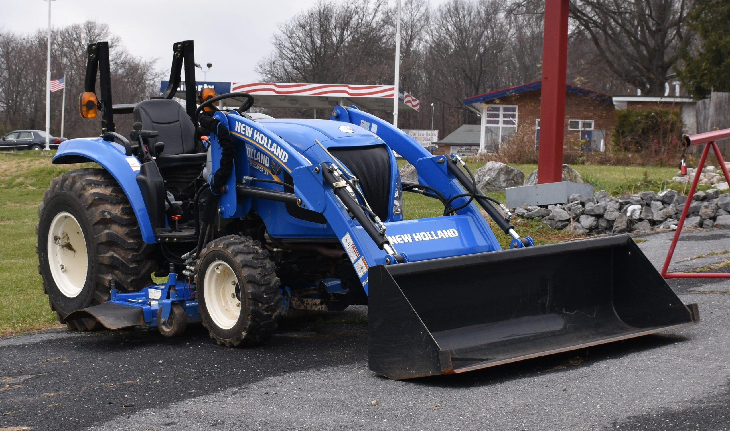 New Holland Boomer 37 Image
