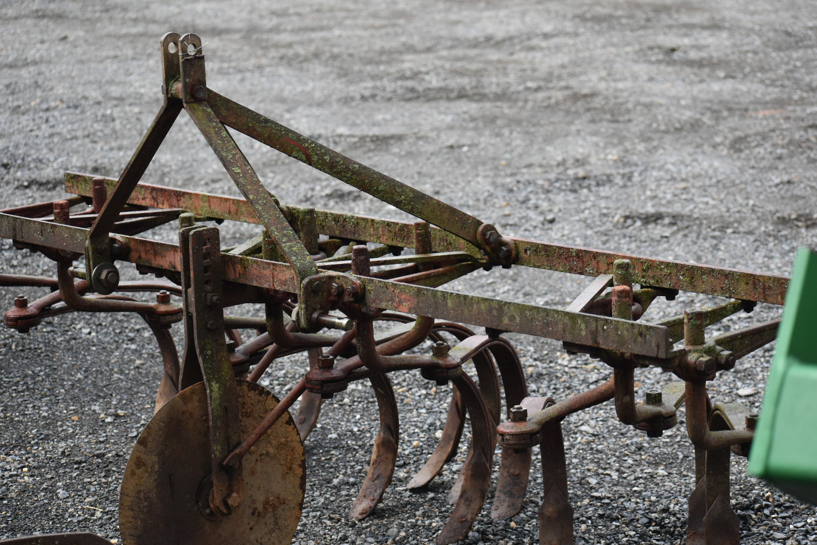 3PT SPRING TOOTH CULTIVATOR Image